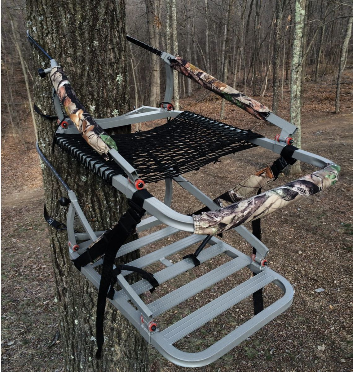 X-Stand Treestands The Apache Climbing Treestand
