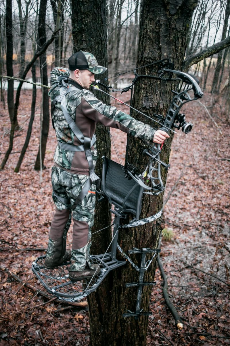 Hawk Cruzr™ Bone Collector™ Hang-On Treestand
